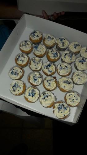 De avond begon al goed met heerlijke gebakjes voor vrijwilligers en personeel (dank Salomina)