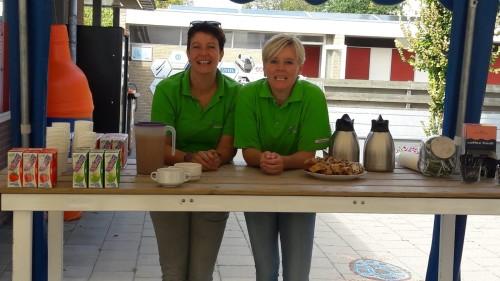 Koffie en krentenbrood voor alle bezoekers